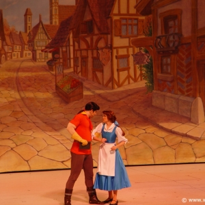 Beauty_and_the_Beast_Stage_Show_06