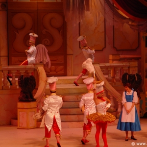 Beauty_and_the_Beast_Stage_Show_08