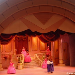 Beauty_and_the_Beast_Stage_Show_19