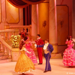 Beauty_and_the_Beast_Stage_Show_21