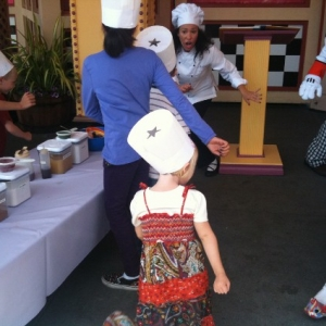 Junior_Chefs_doing_a_dance_while_baking_565x424_