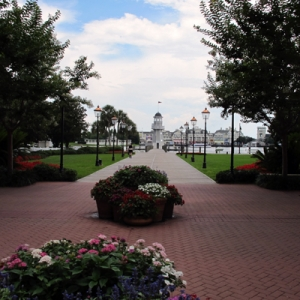 Yacht Club Courtyard - Boardwalk View