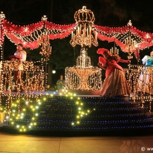 Main-Street-Electrical-Parade-45