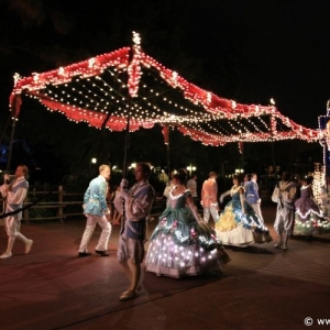 Main-Street-Electrical-Parade-46