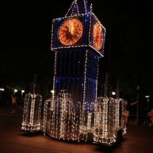 Main-Street-Electrical-Parade-49