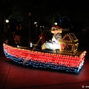 Main-Street-Electrical-Parade-58