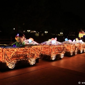 Main-Street-Electrical-Parade-63