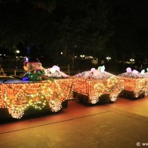 Main-Street-Electrical-Parade-64