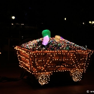 Main-Street-Electrical-Parade-65