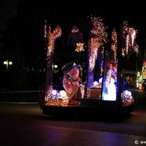 Main-Street-Electrical-Parade-68