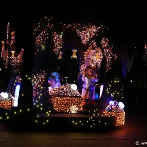 Main-Street-Electrical-Parade-71