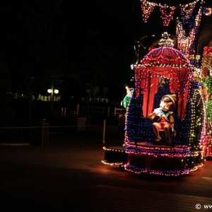 Main-Street-Electrical-Parade-72