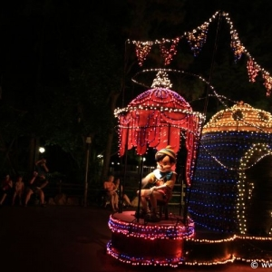 Main-Street-Electrical-Parade-74