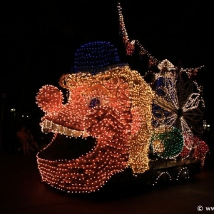 Main-Street-Electrical-Parade-79
