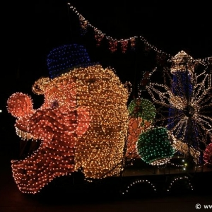 Main-Street-Electrical-Parade-80
