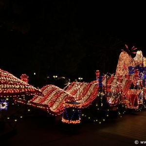 Main-Street-Electrical-Parade-96
