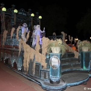 Boo-to-You_Halloween_Parade_25