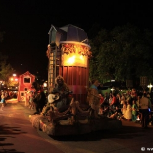Boo-to-You_Halloween_Parade_27