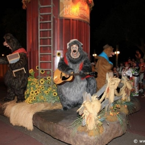 Boo-to-You_Halloween_Parade_28