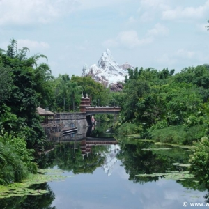 Expedition-Everest_01