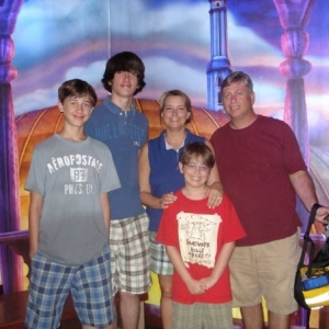 Family_at_Disney_2008