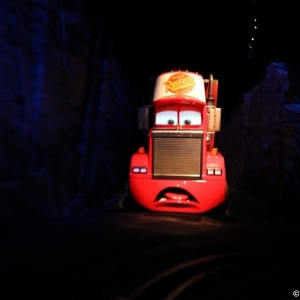 Radiator-Springs-Racers-032