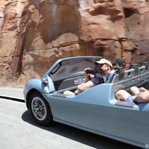 Radiator-Springs-Racers-037
