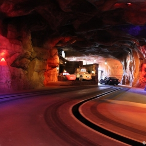 Radiator-Springs-Racers-046