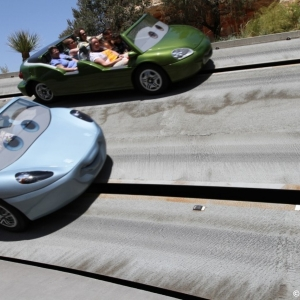 Radiator-Springs-Racers-052