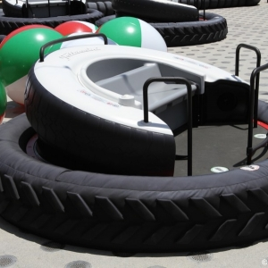 Luigis-Flying-Tires-016