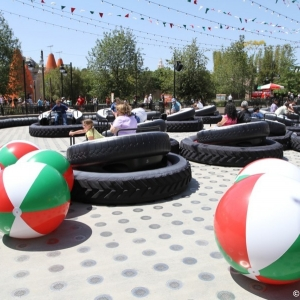 Luigis-Flying-Tires-027