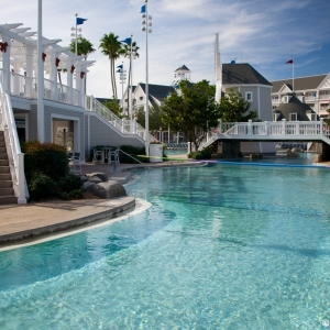 DisneysYachtClub-Pool-8