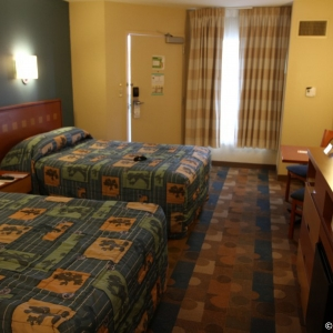 Pop-Century-Resort-Room-012