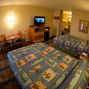 Pop-Century-Resort-Room-002