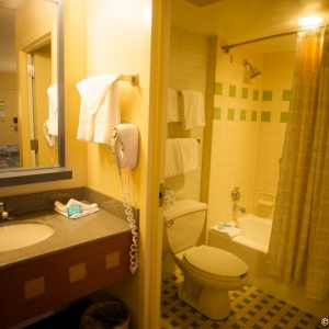 Pop-Century-Resort-Room-007