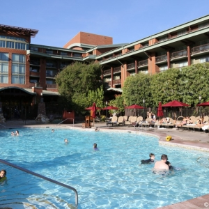 Grand-Californian-Pool-007