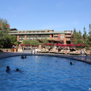 Grand-Californian-Pool-010