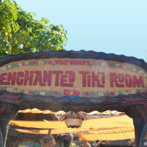 Enchanted-Tiki-Room-001