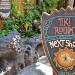 Enchanted-Tiki-Room-010