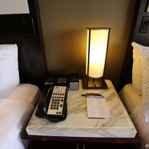 Contemporary-Resort-Room-024
