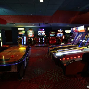 Contemporaty-Resort-Arcade-003