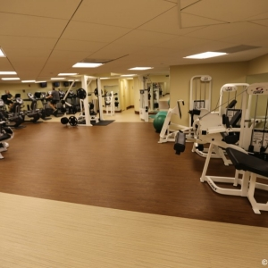 Contemporaty-Resort-Fitness-Center-002
