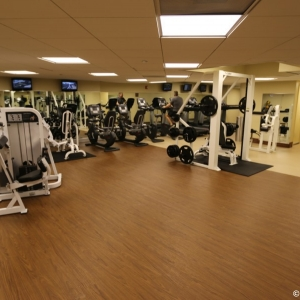 Contemporaty-Resort-Fitness-Center-003