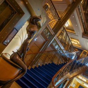 Disney-Wonder-Atrium-003