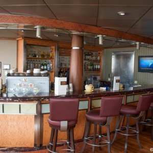 Disney-Wonder-Outlook-Cafe-001