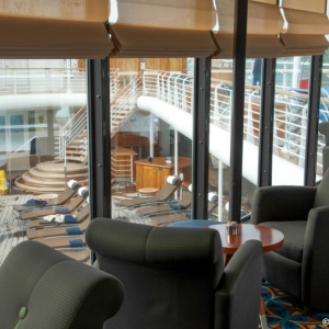 Disney-Wonder-Outlook-Cafe-002