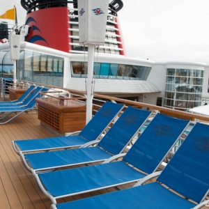 Disney-Wonder-Upper-Decks-007