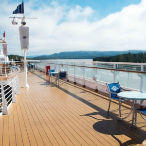 Disney-Wonder-Upper-Decks-008