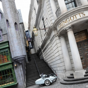 WDWINFO-Universal-Diagon-Alley-Harry-Potter-Escape-From-Gringotts-007