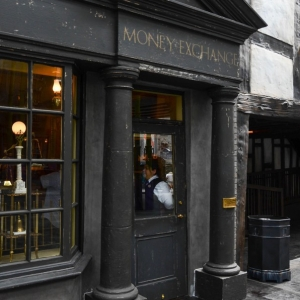 WDWINFO-Universal-Diagon-Alley-Harry-Potter-Gringotts-Money-Exchange-003